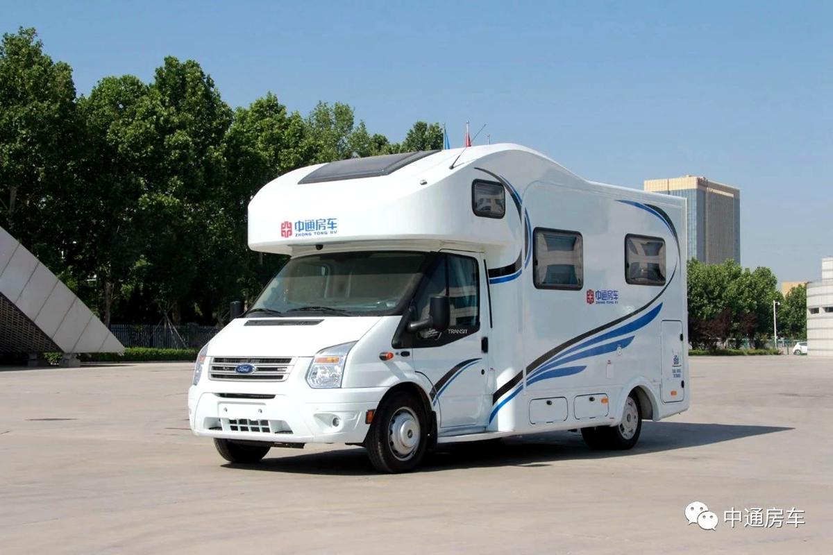后纵床+L型沙发 中通驰福6600房车售价44.98万元