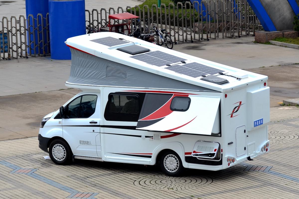 弹出式屋顶+床位拓展 齐星2020款新全顺小C实车亮相