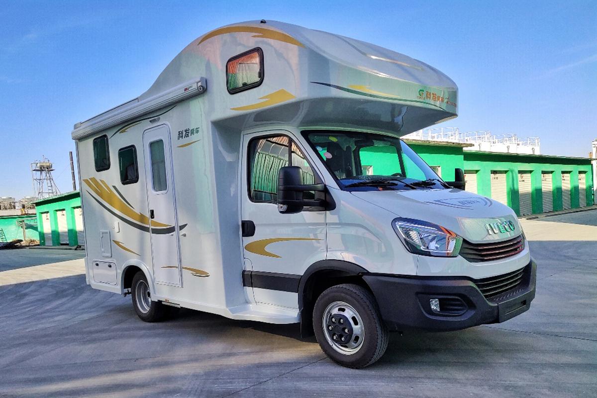 子母床人性化设计 科发雪豹子母床版C型房车起售45.98万