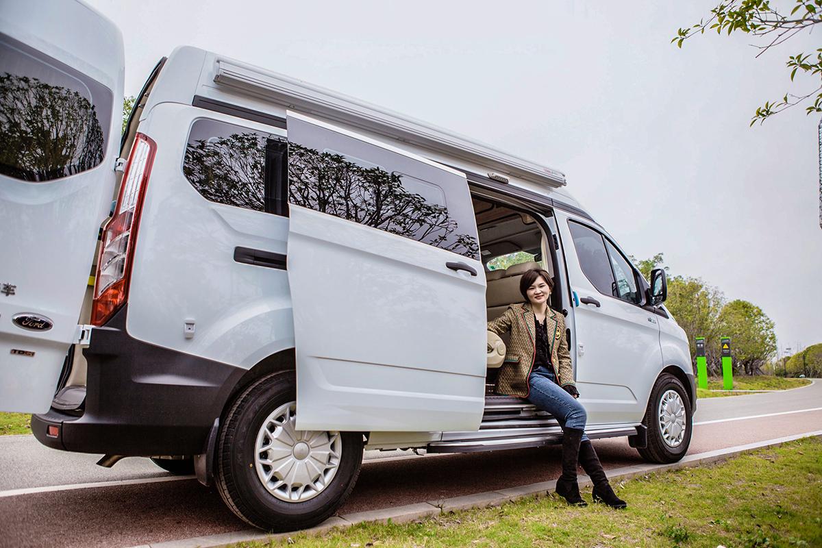 国六自动手动挡+汽油柴油可选23.68万起 阿尼亚发布2款新布局车型