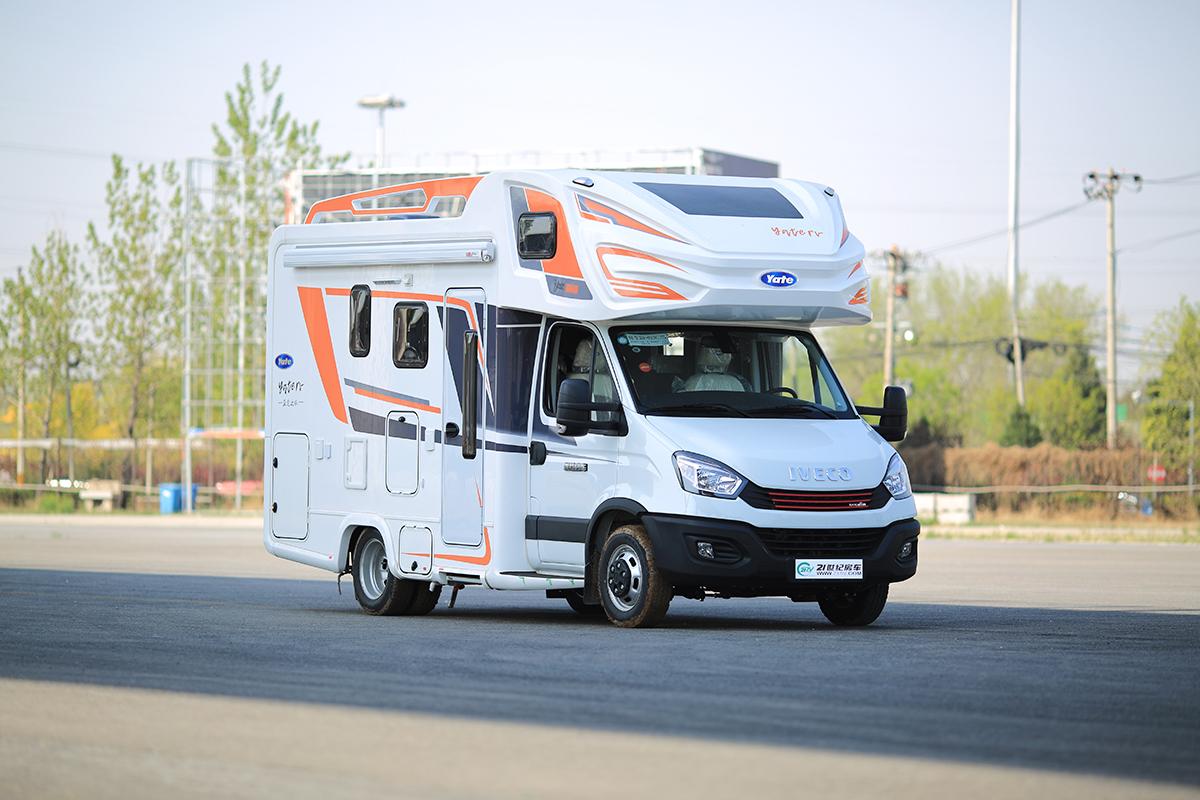 双拓展布局+丰富的水电配置起售59.8万元!2020款亚特尊领型ST房车正式发布