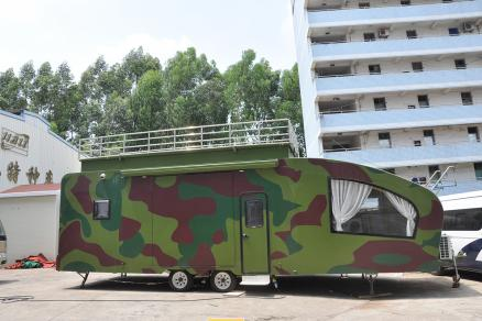 带观景天台及折叠阳台的创新设计 佳乐10米特色露营拖挂房车走进大众视野