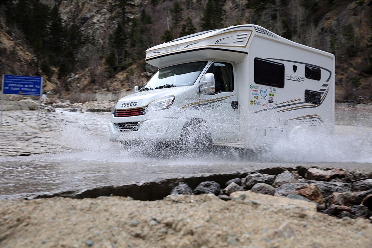 4 day!荒漠中有桃花雪 山涧里藏冷水泉 华云途骏房车最美天路之行