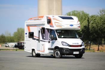 车内经典布局与丰富的水电及安全配置起售55.5万元! 2020款亚特尊领型ZT房车正式发布