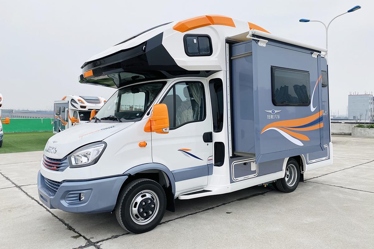 旌航发布巍浩-II-2侧拓展沙发布局国产版房车 58.8万起售!