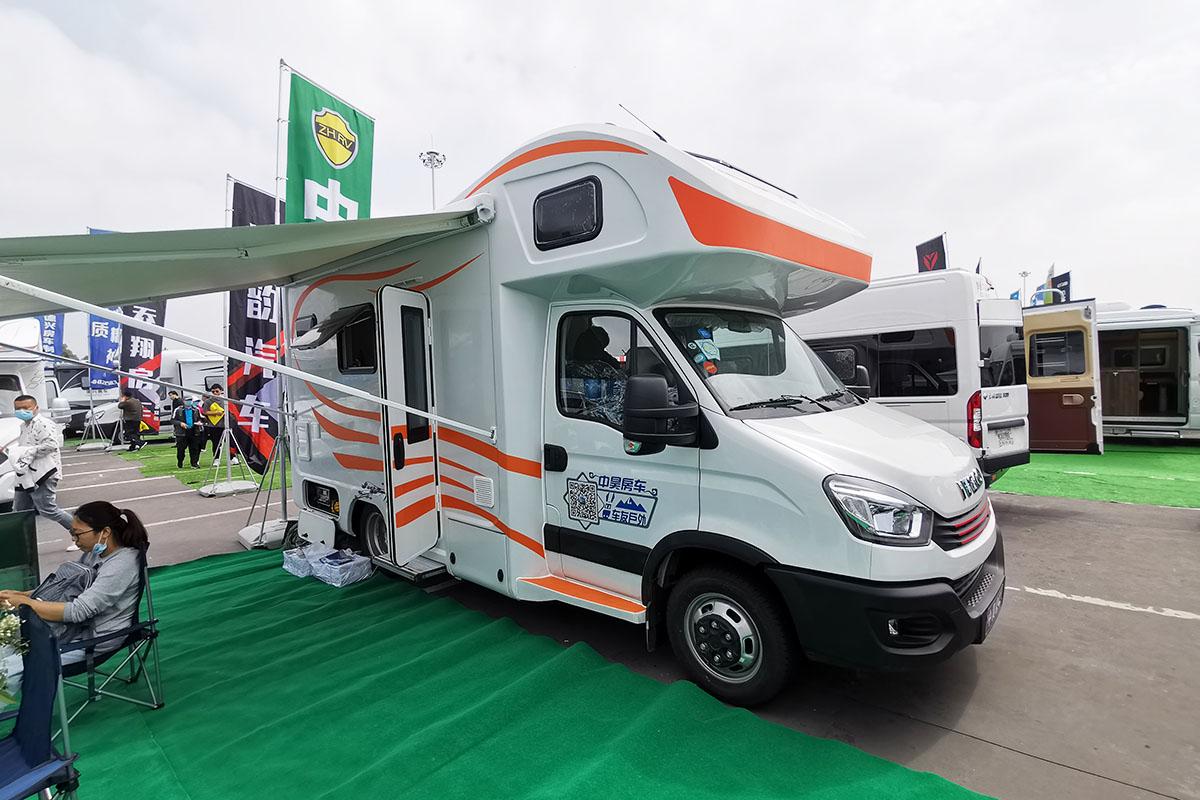 起售37.8万可享优惠两万 中昊2020款依维柯C型房车南京购车节首发