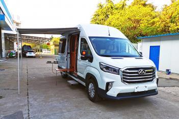 电动升降床+折叠式卫生间 途酷大通V90后双胎自动挡旗舰版36.8万元起售