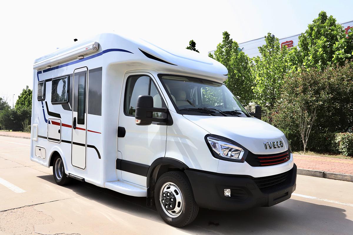 前20台购车可享补贴价42.88万元 飞翔依维柯T型畅享版房车正式发布