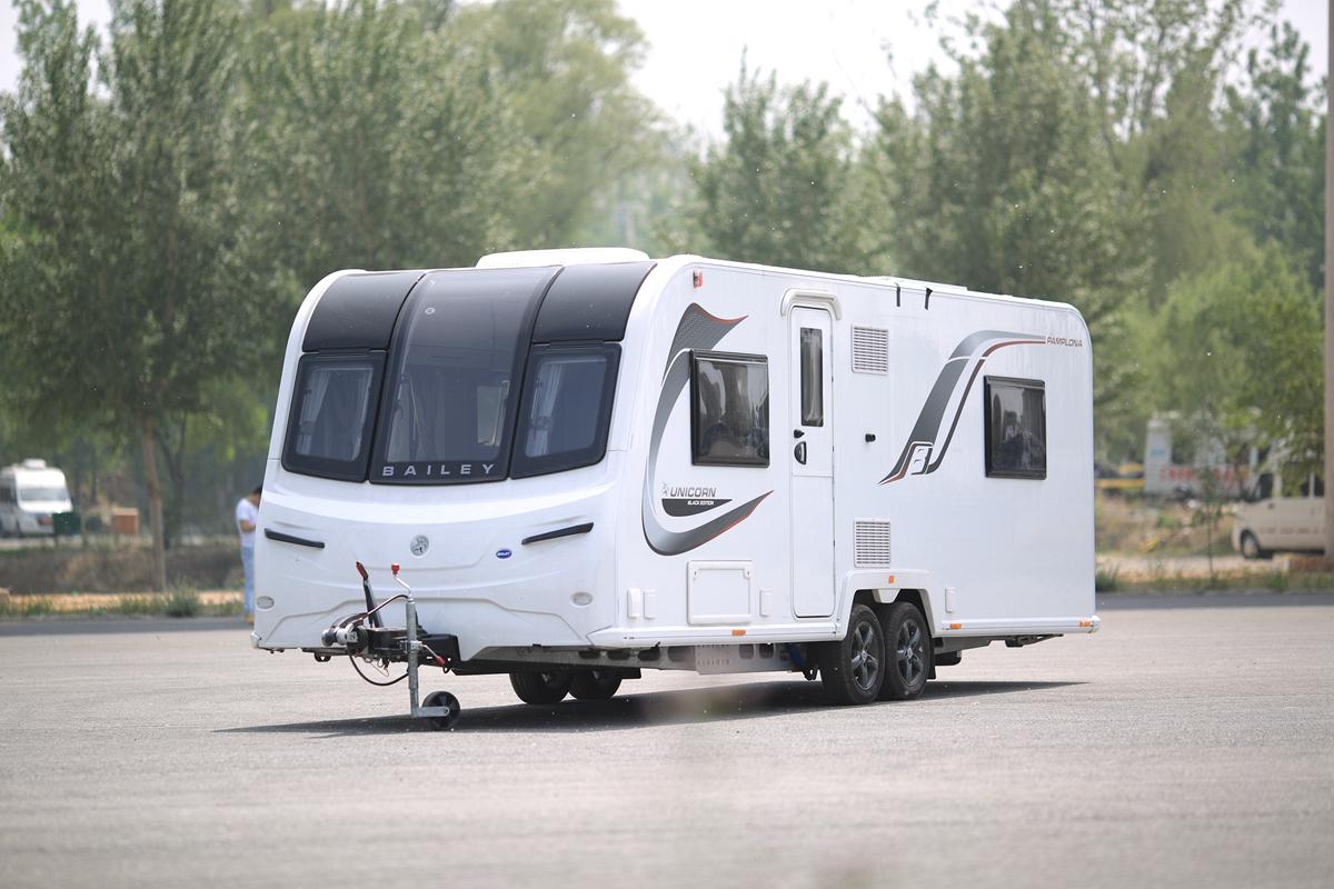 参与直播订车优惠3万 百丽英国进口PAMPLONA双轴拖挂房车来了