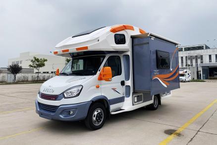 600W太阳能板+820Ah锂电 旌航巍浩-IV-1房车60.8万起售