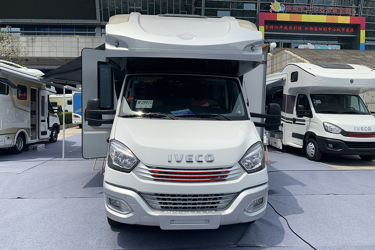 模块化底盘与数字化系统相结合 隆翠2020款LC-01S房车正式发布