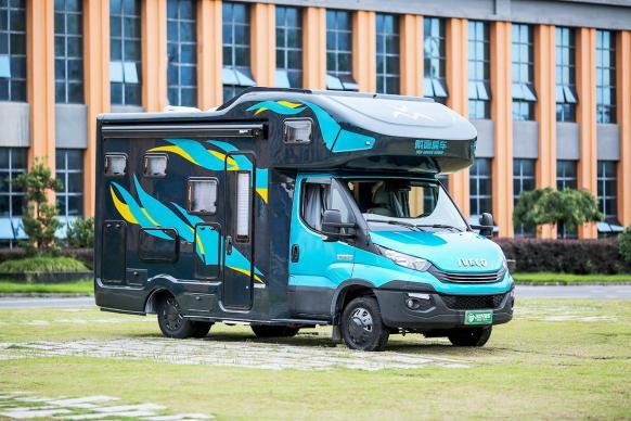 防弹级碳纤维车身戴德E途PRO MAX房车正式发布