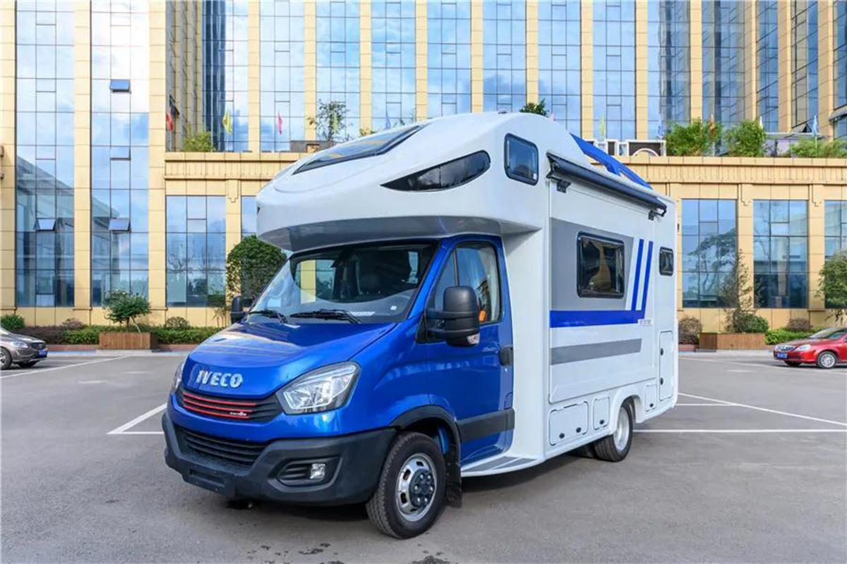 凤凰2020款依维柯双拓展房车正式发布