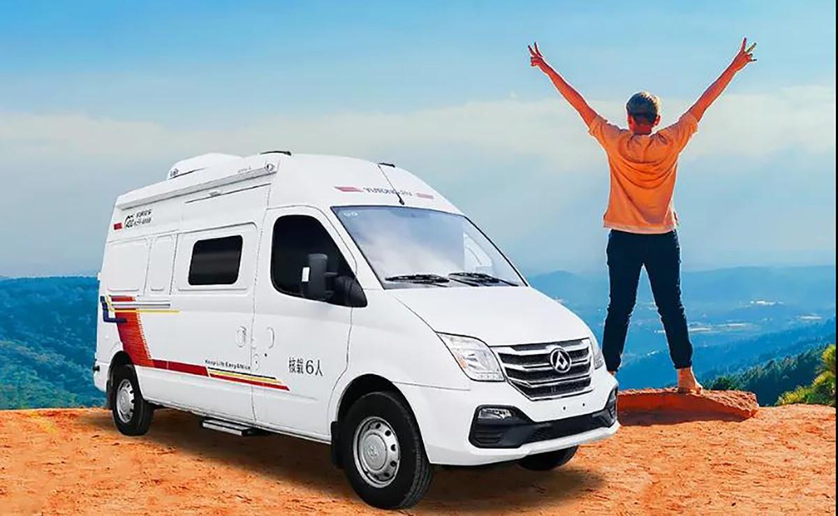 宇通房车搭档RENOGY如果新能源,让房车生活更舒适更快乐!