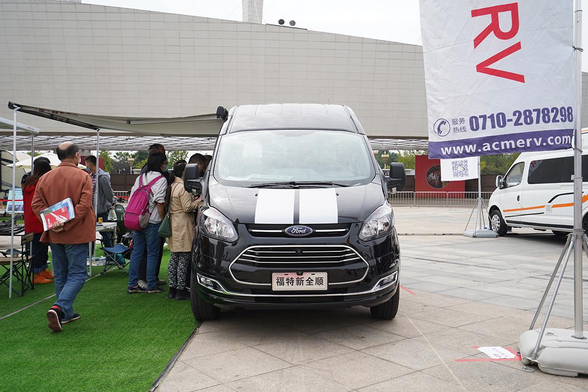 29.8万起售 东润阿科米福特新全顺B型房车首发上市