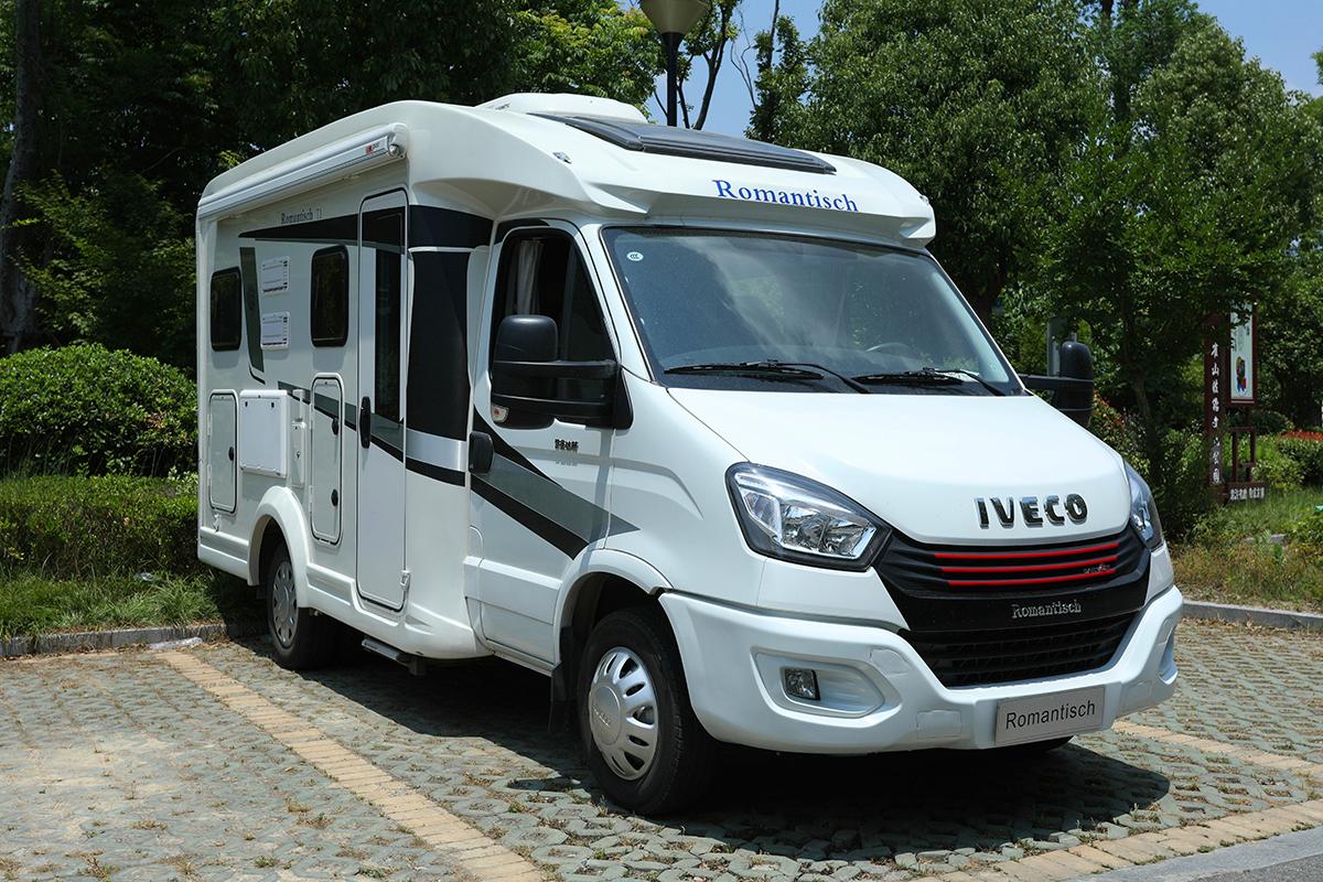 德国设计团队打造 三口之家轻奢旅行首选 罗曼特斯T1房车