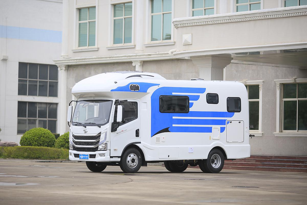 配置和价格无法让人拒绝!实拍新飞H300尊享版平头房车