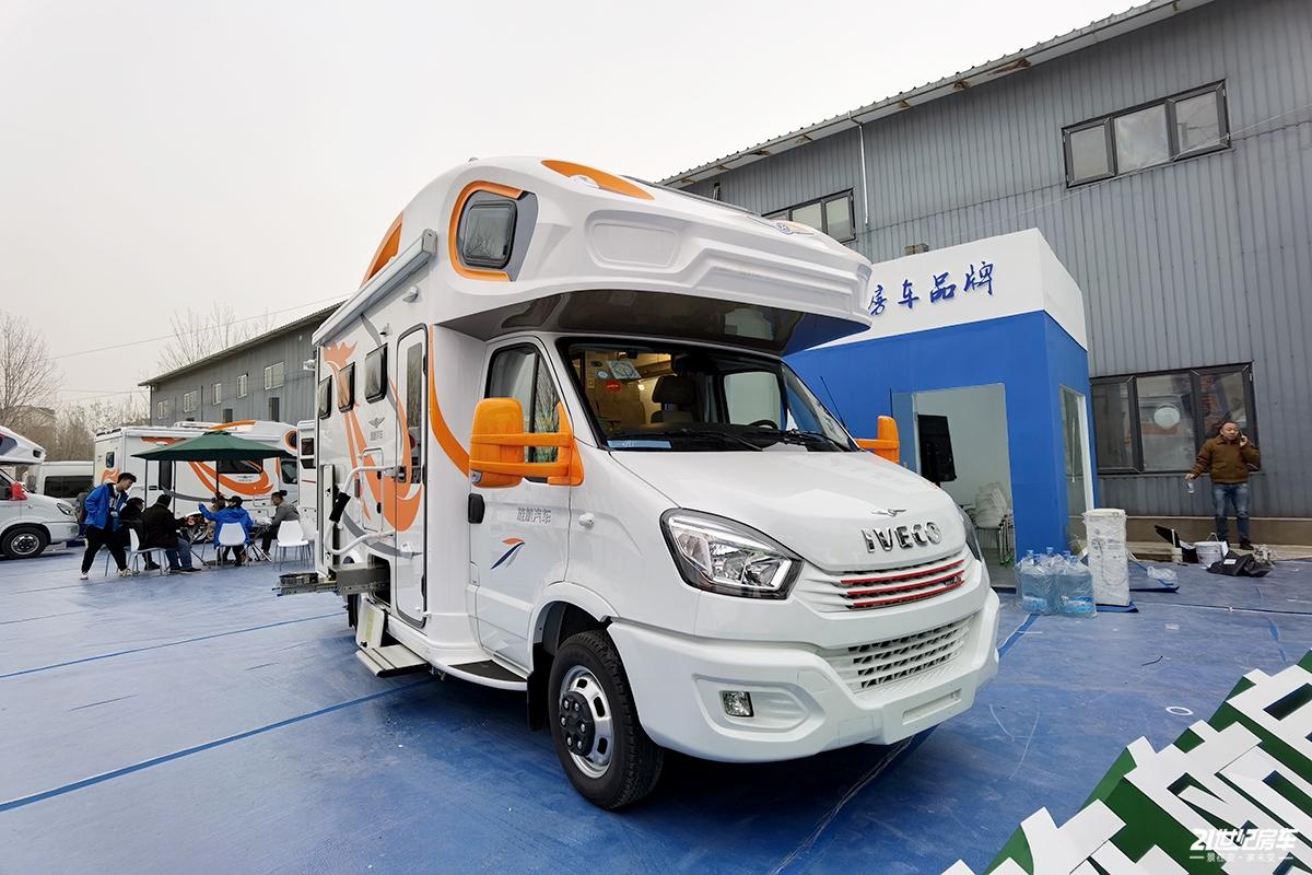 62.8万元 旌航依维柯WH-Ⅳ房车北京房车展发布