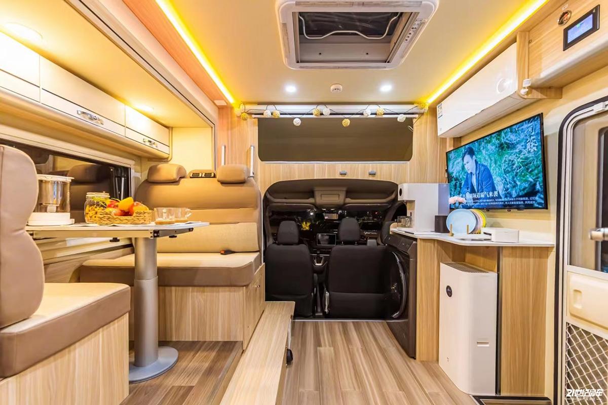 黑科技会给房车行业带来怎样的叠加效应 小米与爱旅途房车打造智能旅居车!
