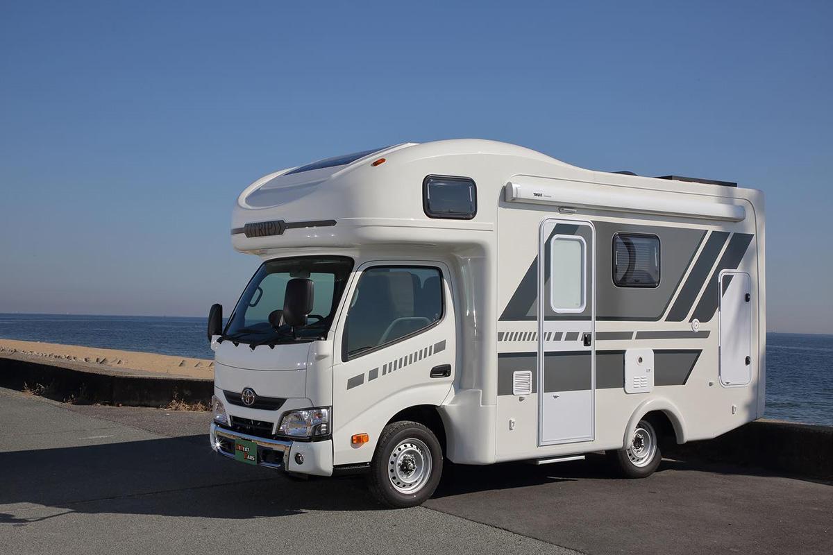 丰田平头房车见过么?2驱4驱可选,睡6人还带全尺寸厨房