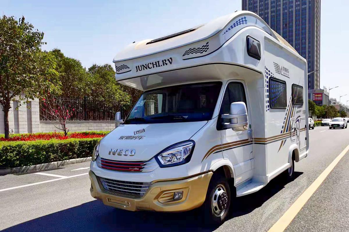 骏驰双鱼座国六房车两种风格可选 团购会最高直降5万!