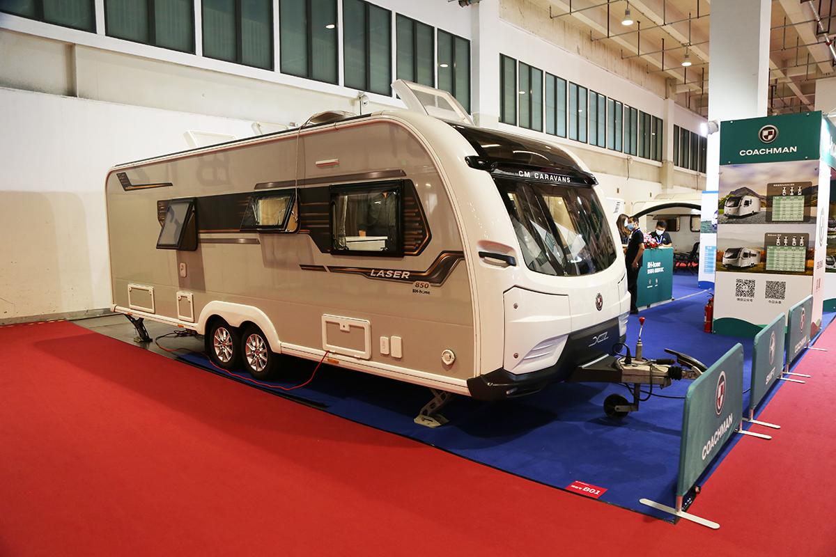 英国COACHMAN拖挂房车,车长超7.8米,自重还不到1.8吨!