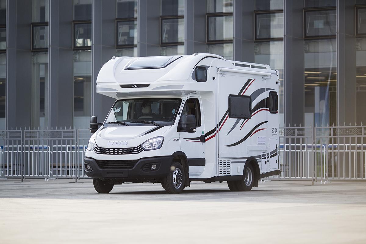 什么来头?最新款国六依维柯自动挡双拓展房车只卖42.99万!