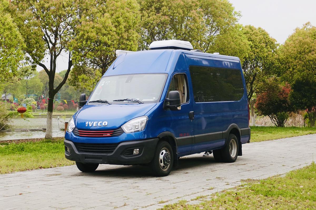 宏运旅途H21参展南京展,车内软包,不到30万可以选这台B型车!
