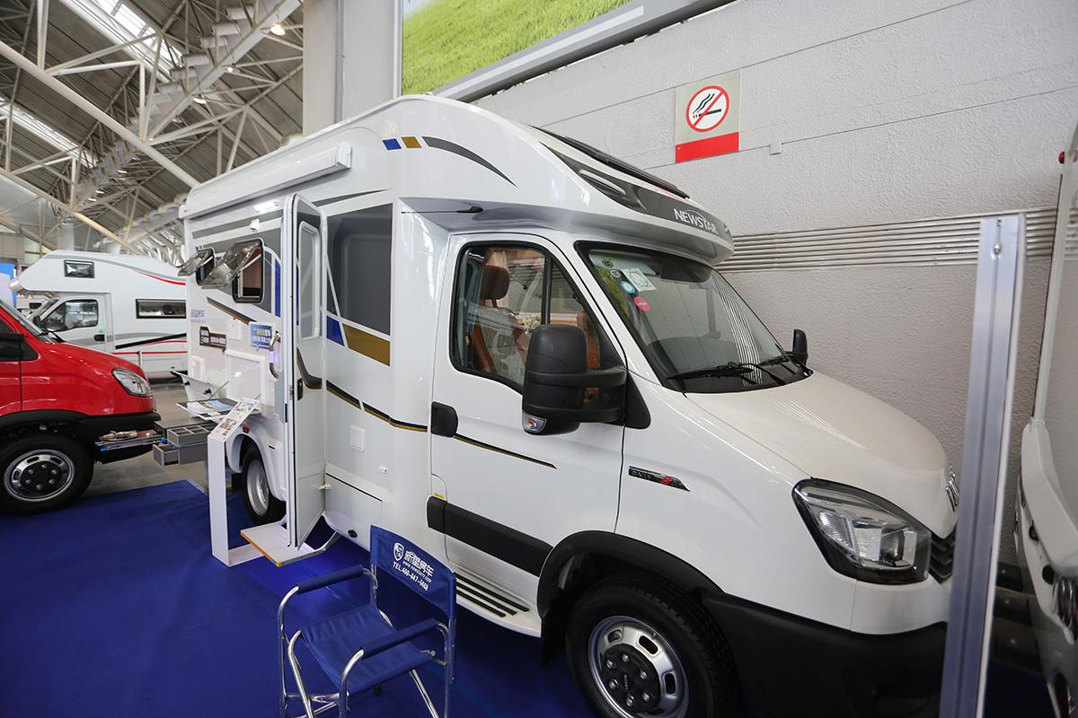 新星新依途T600房车亮相南京展,小额头不输大额头空间!