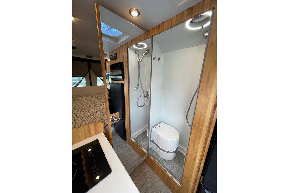 mercedes-sprinter-4x4-camper-by-creative-mobile-interiors-interior (6).jpg