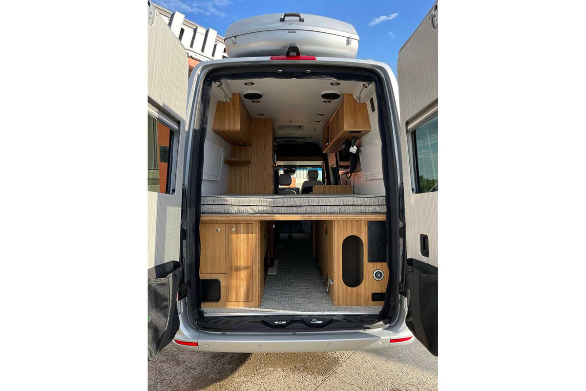 mercedes-sprinter-4x4-camper-by-creative-mobile-interiors-interior (1).jpg