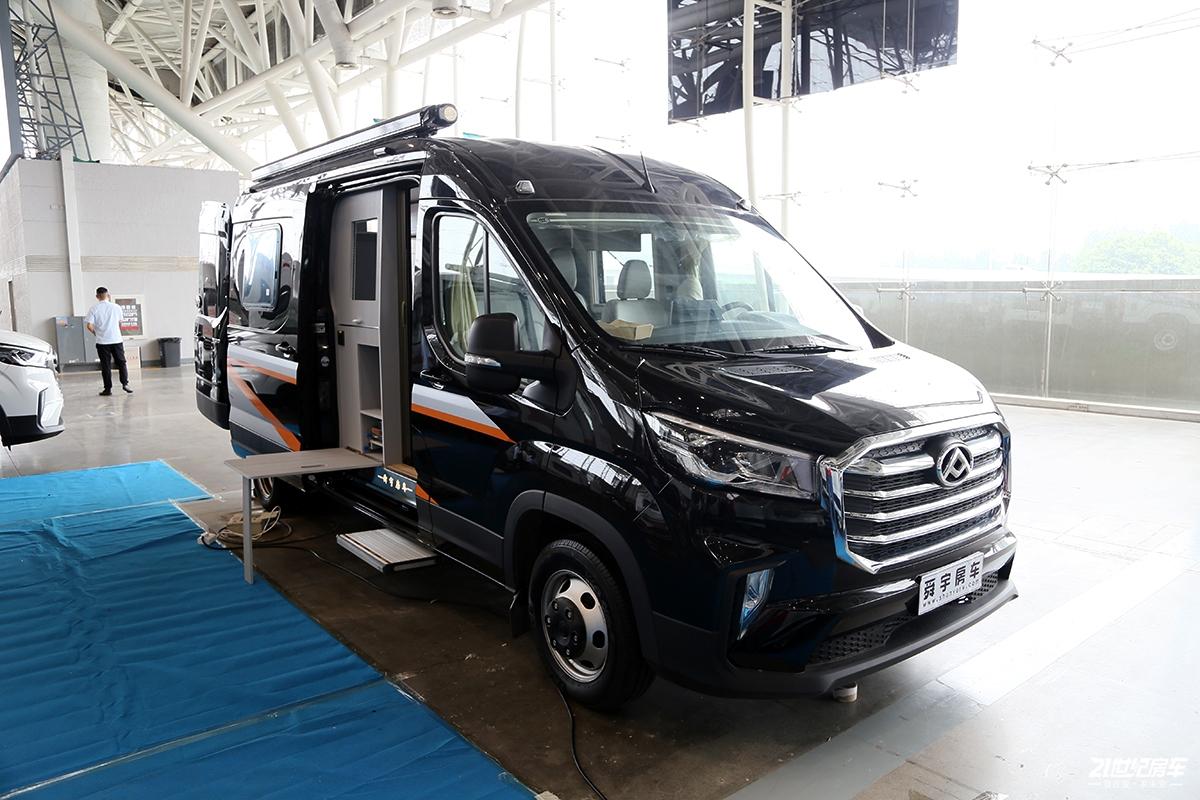 环保材料带来舒适居住享受 28万元的舜宇大通V90房车