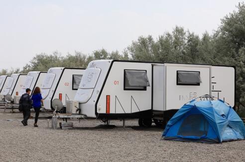 金沙岛丘山隐房车营地
