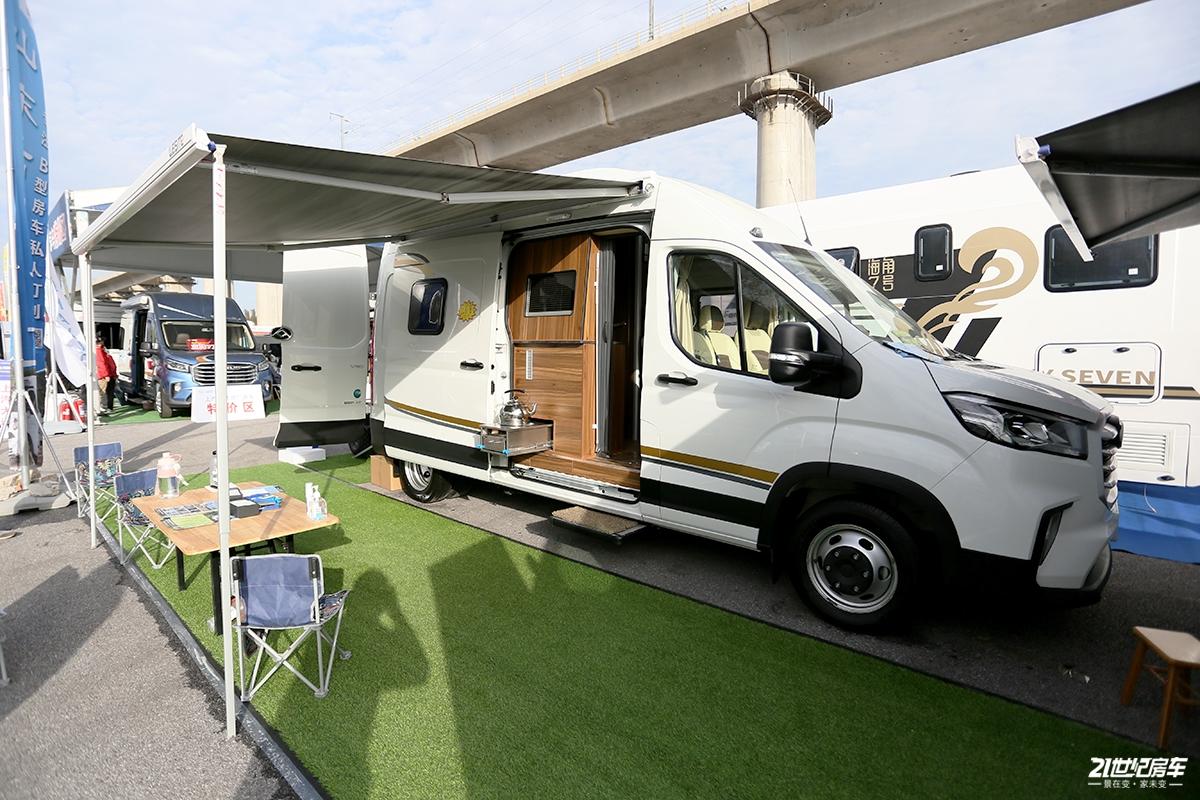 B型还能搭载四轮玩具车 高标畅玩壹号V90房车尽享优质生活品质
